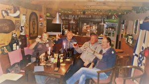 De heren in het Ampsens café